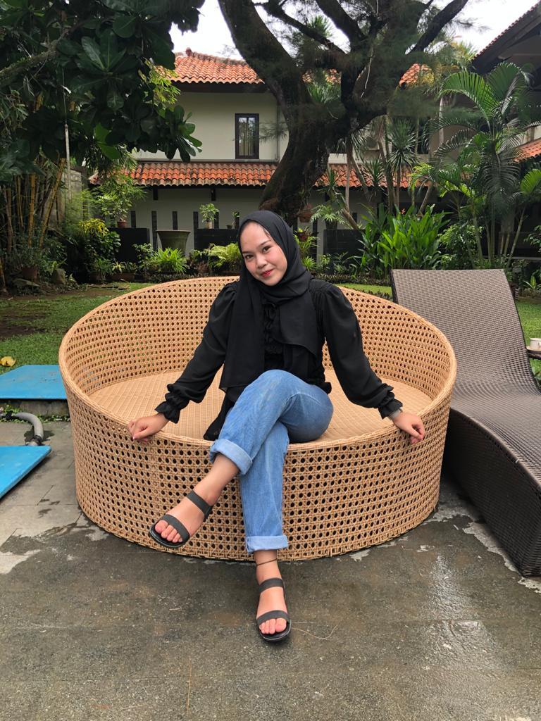 Aura Siti Aulia Kusnadi